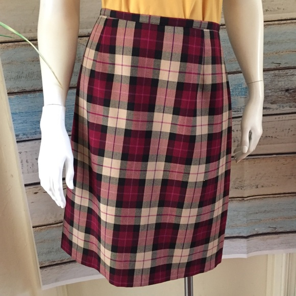 NYCC Dresses & Skirts - 🛍3/$20 NYCC PETITES Plaid Skirt Size 12P